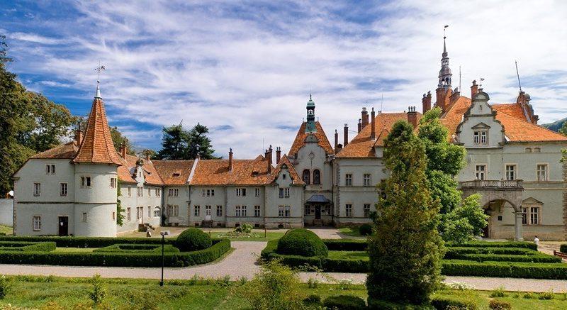 Ідея для вихідних – відпочинок по-королівськи в Україні