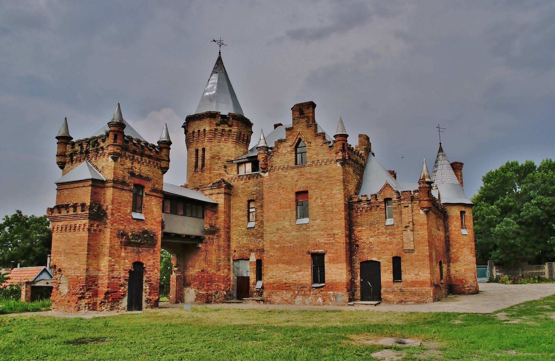 Замок Поповых
