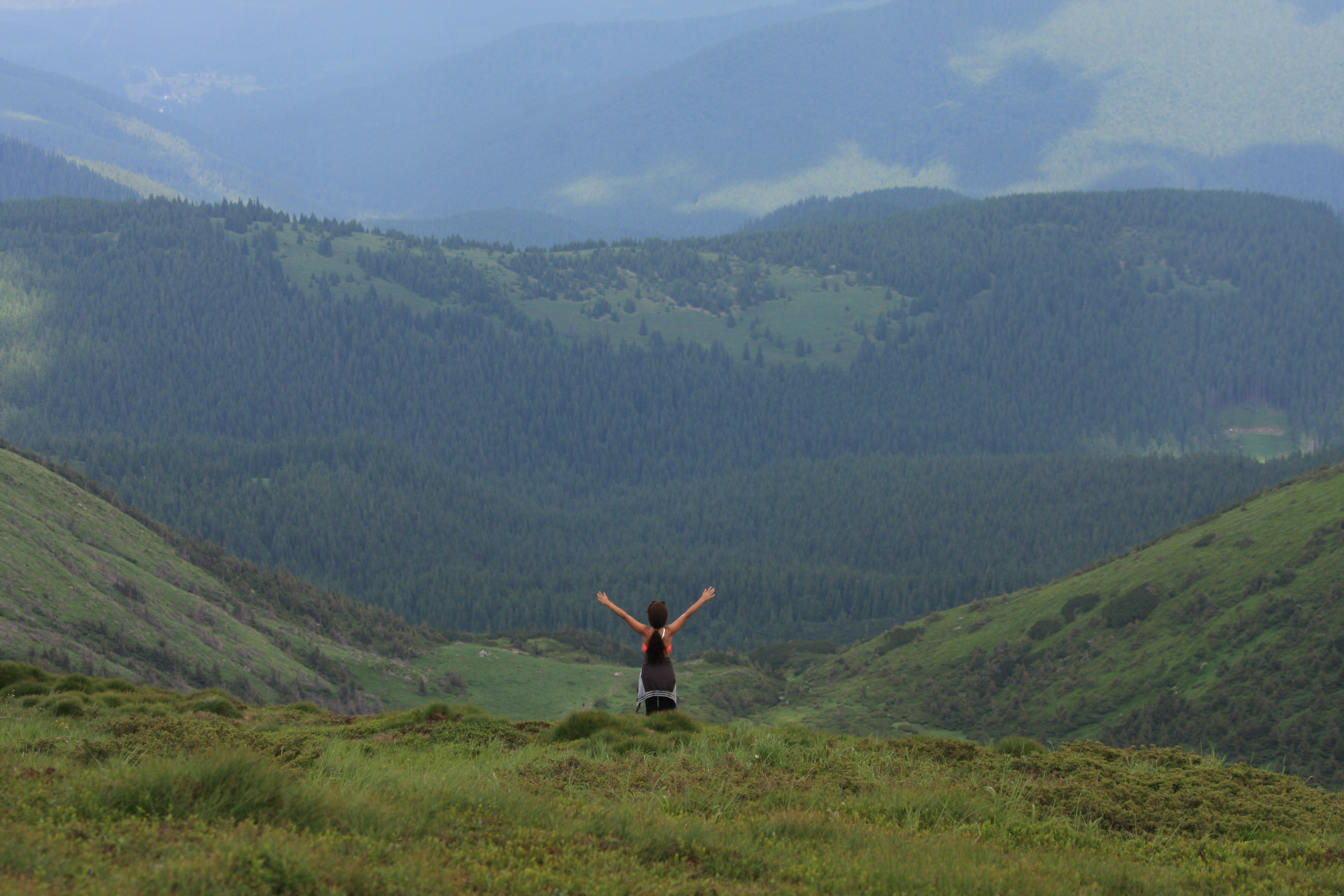 Маршрут із Києва в Карпати: підйом на Говерлу, рафтинг та басейн в горах
