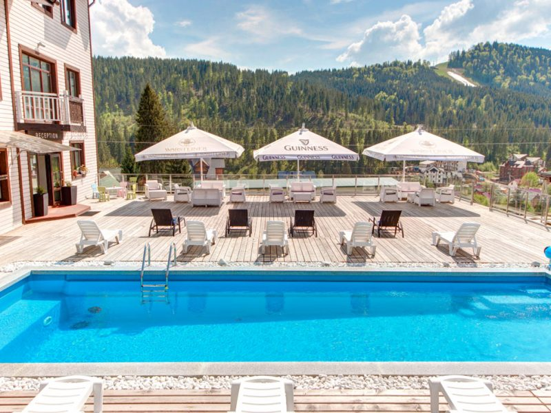 Hotels with pool in Carpathians