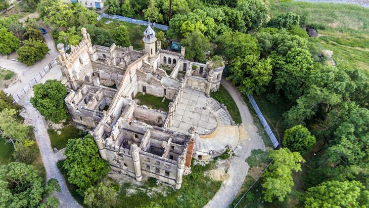 замок Курісов
