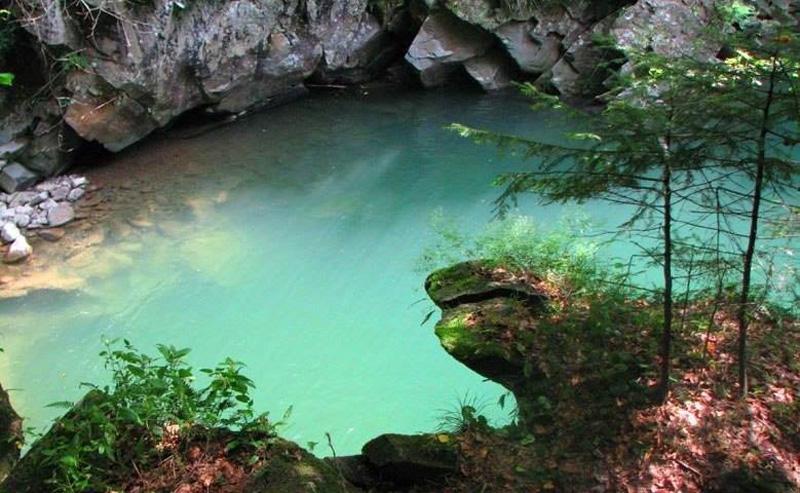 """""""Райська лагуна"""" в гірській річці Закарпаття"""