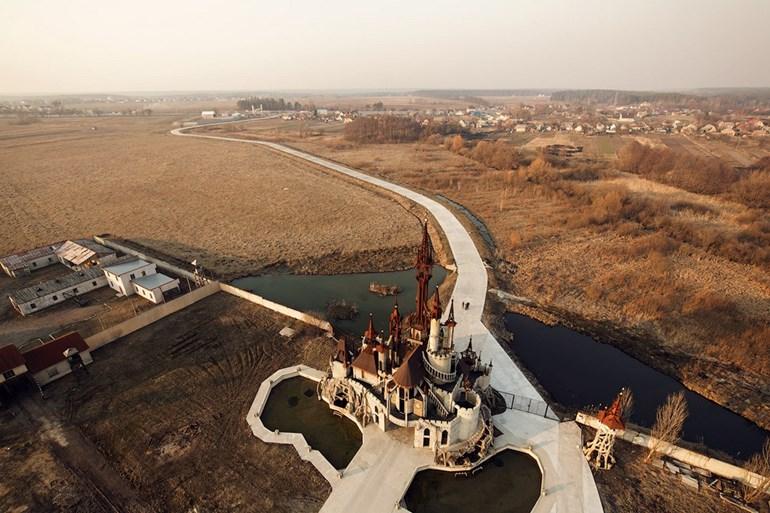 Необычные здания в разных городах Украины