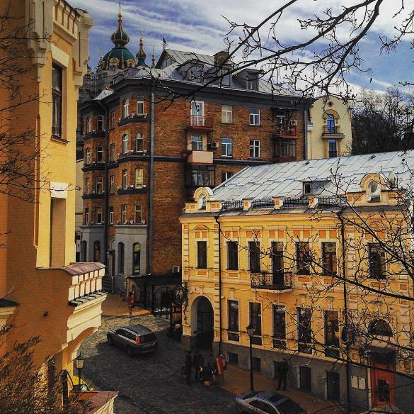 Дворики и скверы Киева