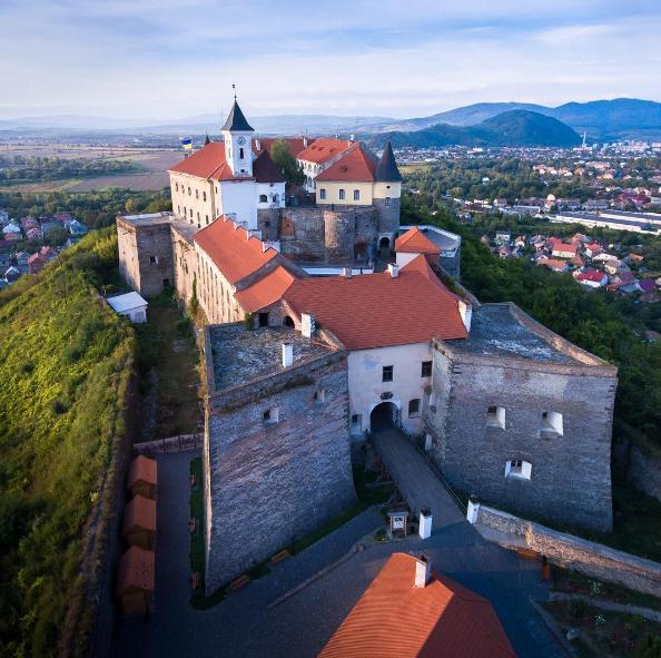 Замок Паланок в Мукачево: історія, легенди, факти