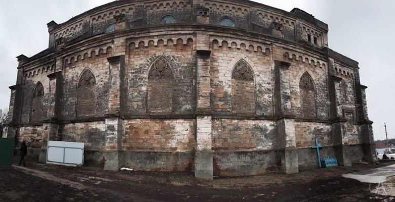 Католический храм Святых Петра и Павла в Николаевской области