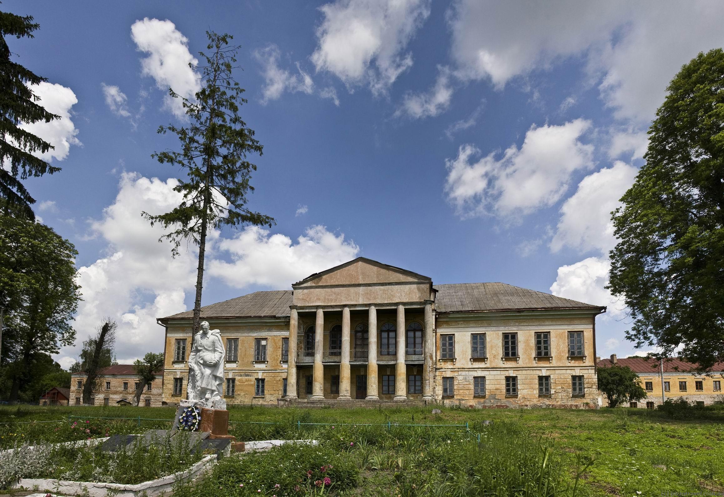 Дворец Стецких в Великих Межиричах