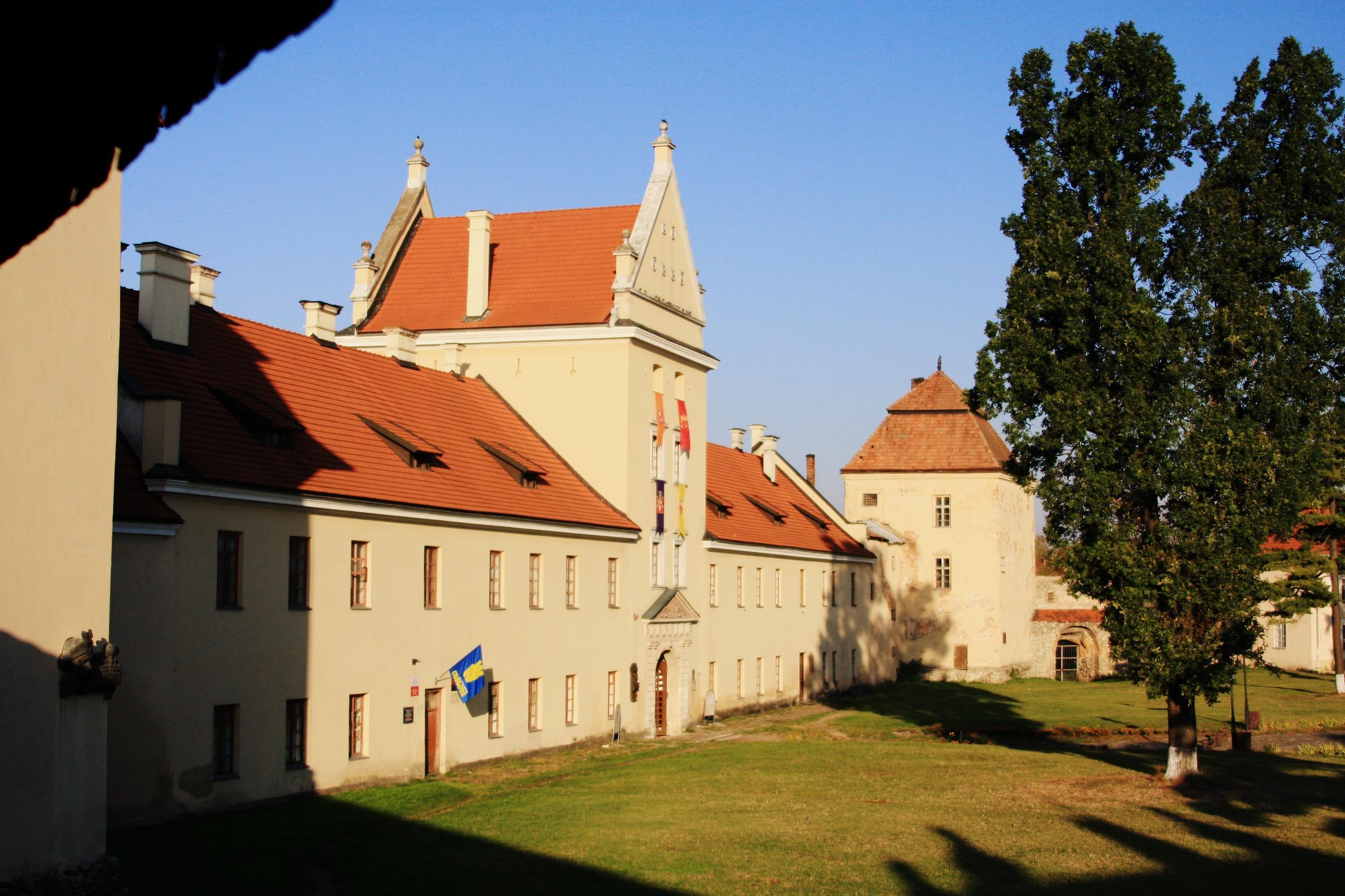В поиске потрясающих мест Львовской области — замки, дворцы и усадьбы