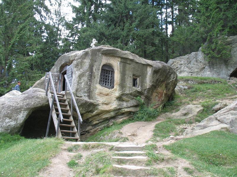 Пещера отшельника