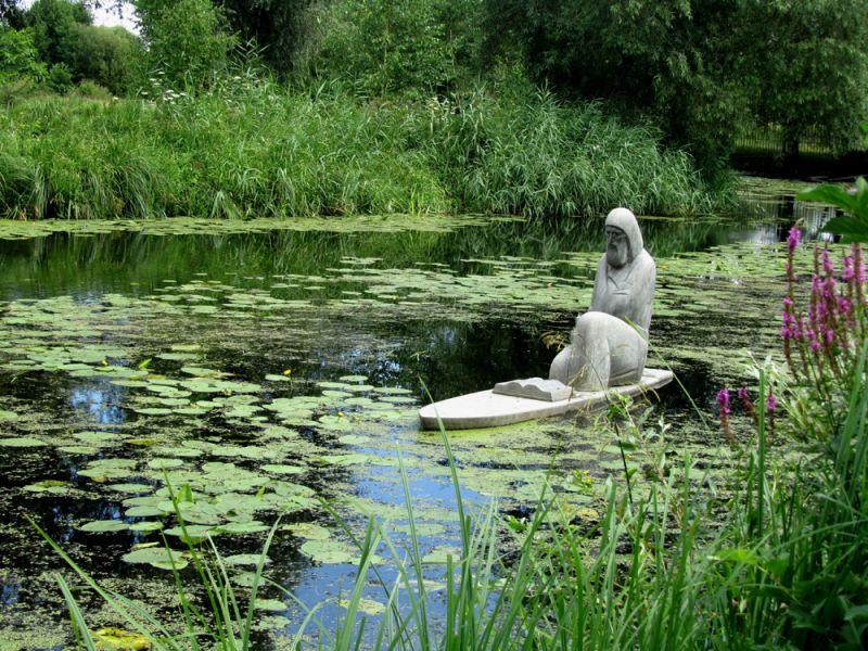 Озеро в замке Родомысль