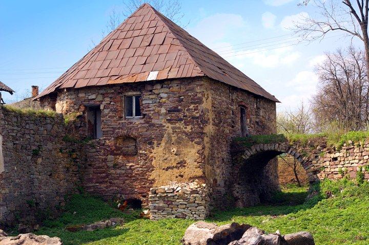 Золотопотоцкий замок