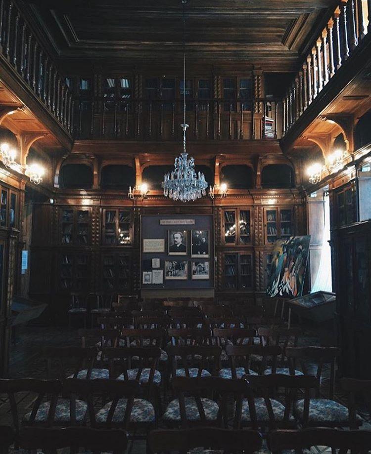 Національний музей літератури вул. Богдана Хмельницького, 11  @nattienat_