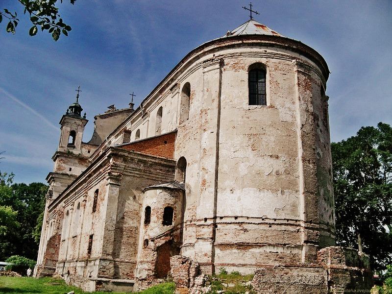 Коллегиальный костел Св. Троицы