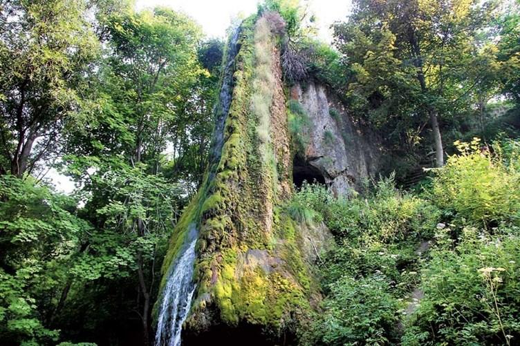 Малиевцы: Пещеры Кармелюка и дворец Орловских