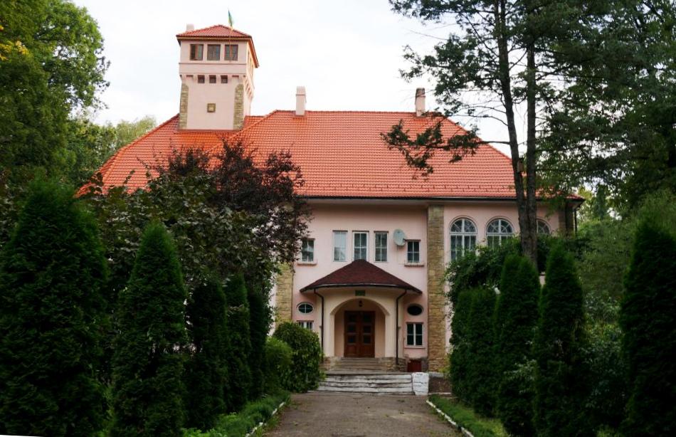 Усадьба Оренштайнов и Сторожинецкий дендропарк