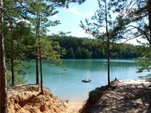 Голубые озёра в Олешне: пляжи, где остановиться, экскурсии и достопримечательности