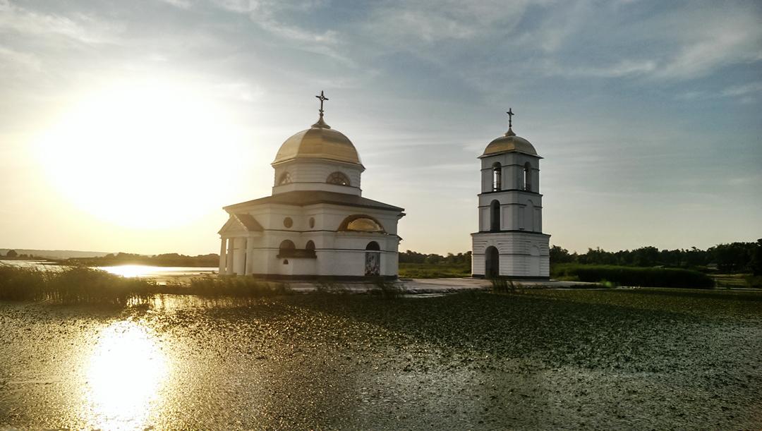 Затопленная церковь в Ржищеве