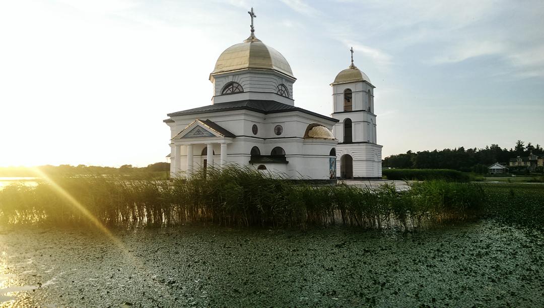 Затопленная церковь в_Ржищеве