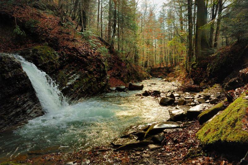 Водоспади України: 40+ найгарніших водоспадів України