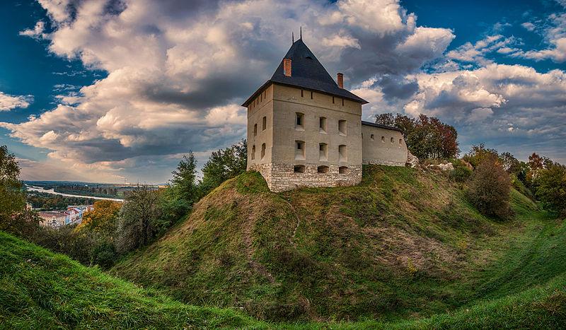 6 замков Ивано-Франковской области, о которых вы точно не слышали