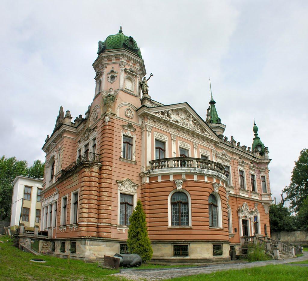 Палаци у Львові, які потрібно побачити