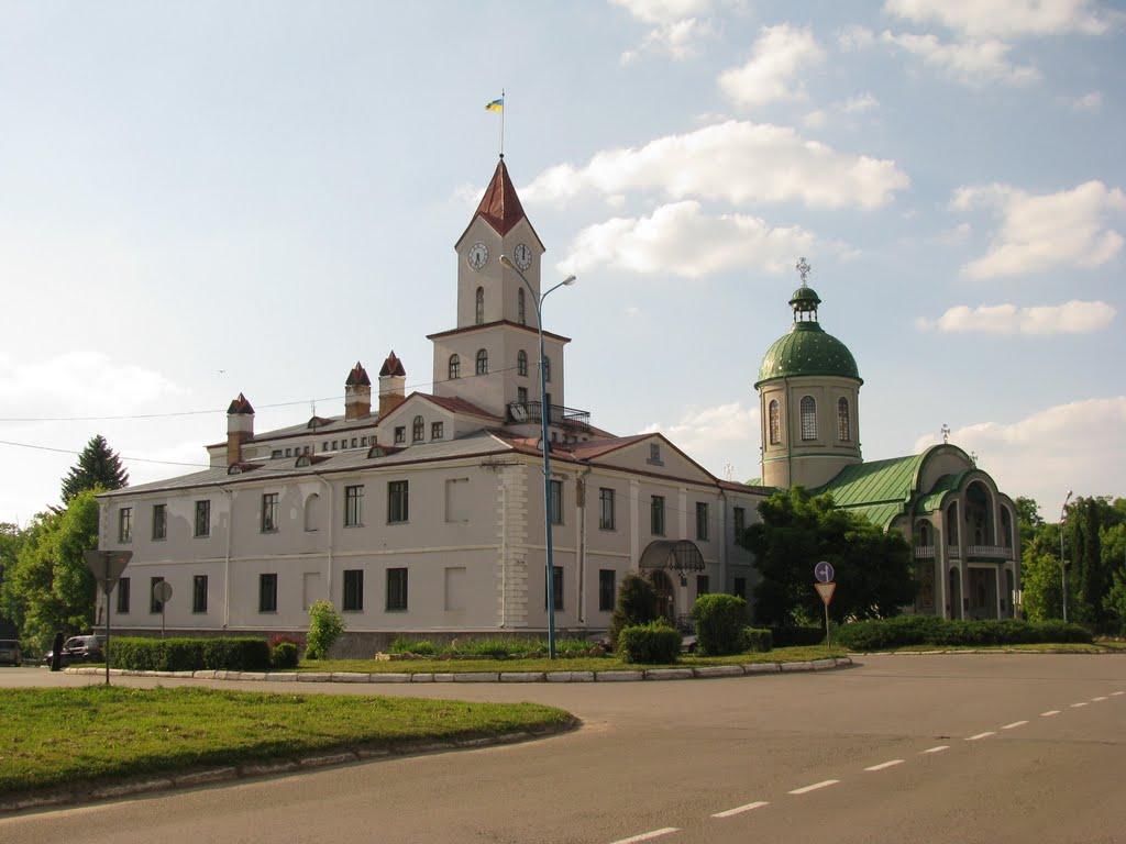 Де зупинитися та що подивитися дорогою із Києва у Львів
