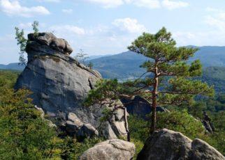 Скалы Довбуша в Карпатах Бубнище