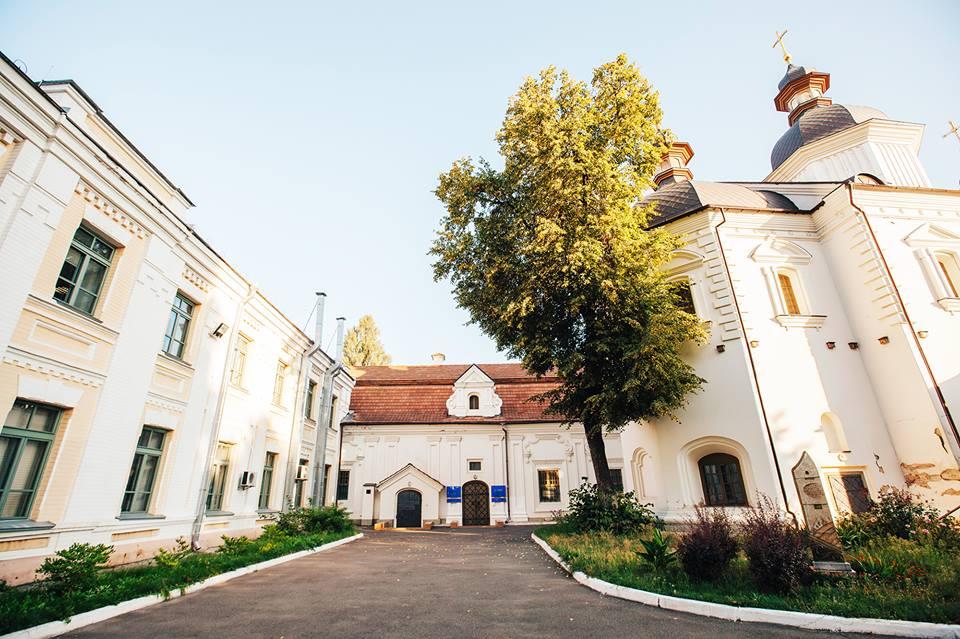 Секретні дворики Києва: розказує гід