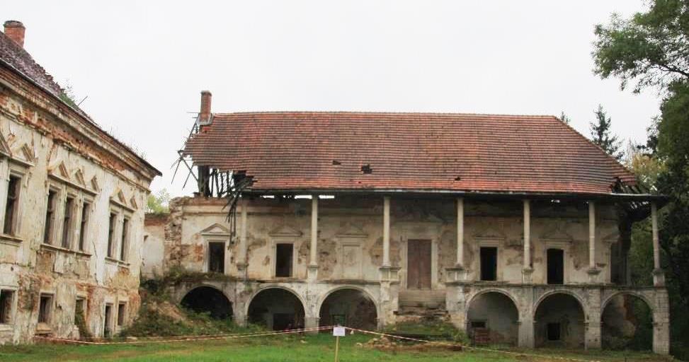 Поморянский дворец (1)