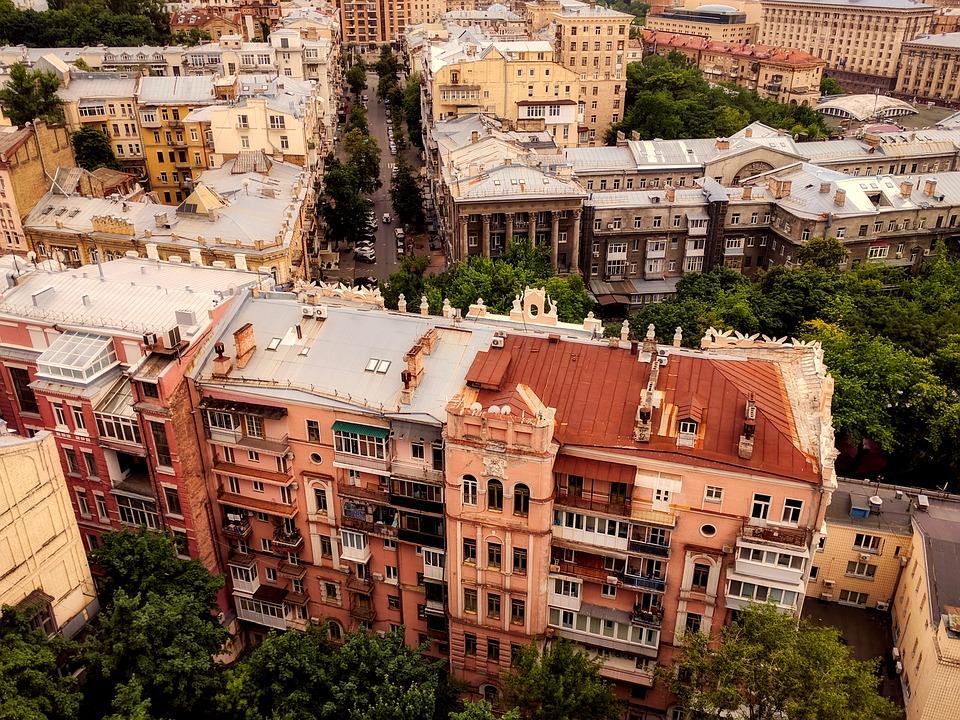 Найкрасивіші пішохідні вулиці в різних містах України