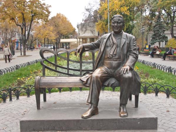 Кіностудія в Одесі, яка стала квітником, та інші пам'ятки сучасної Одеси