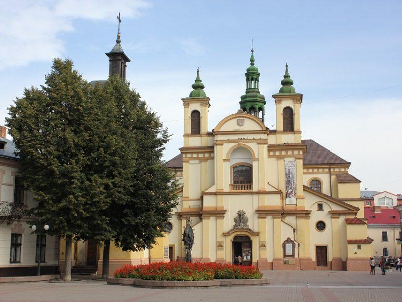 Чим вас здивує Івано-Франківськ: місця, які варто побачити