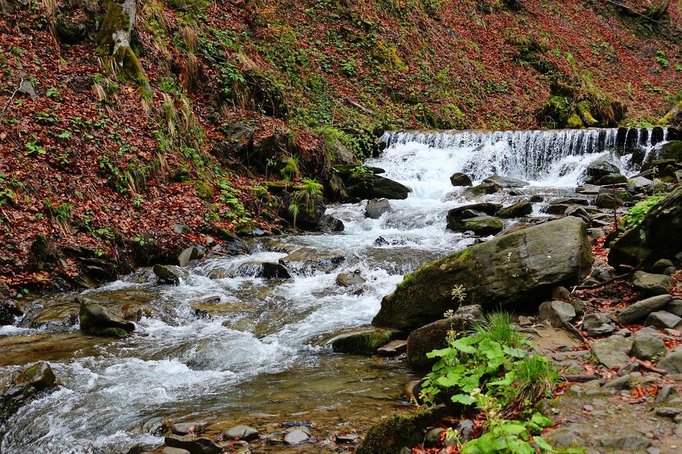 Шипот водопад