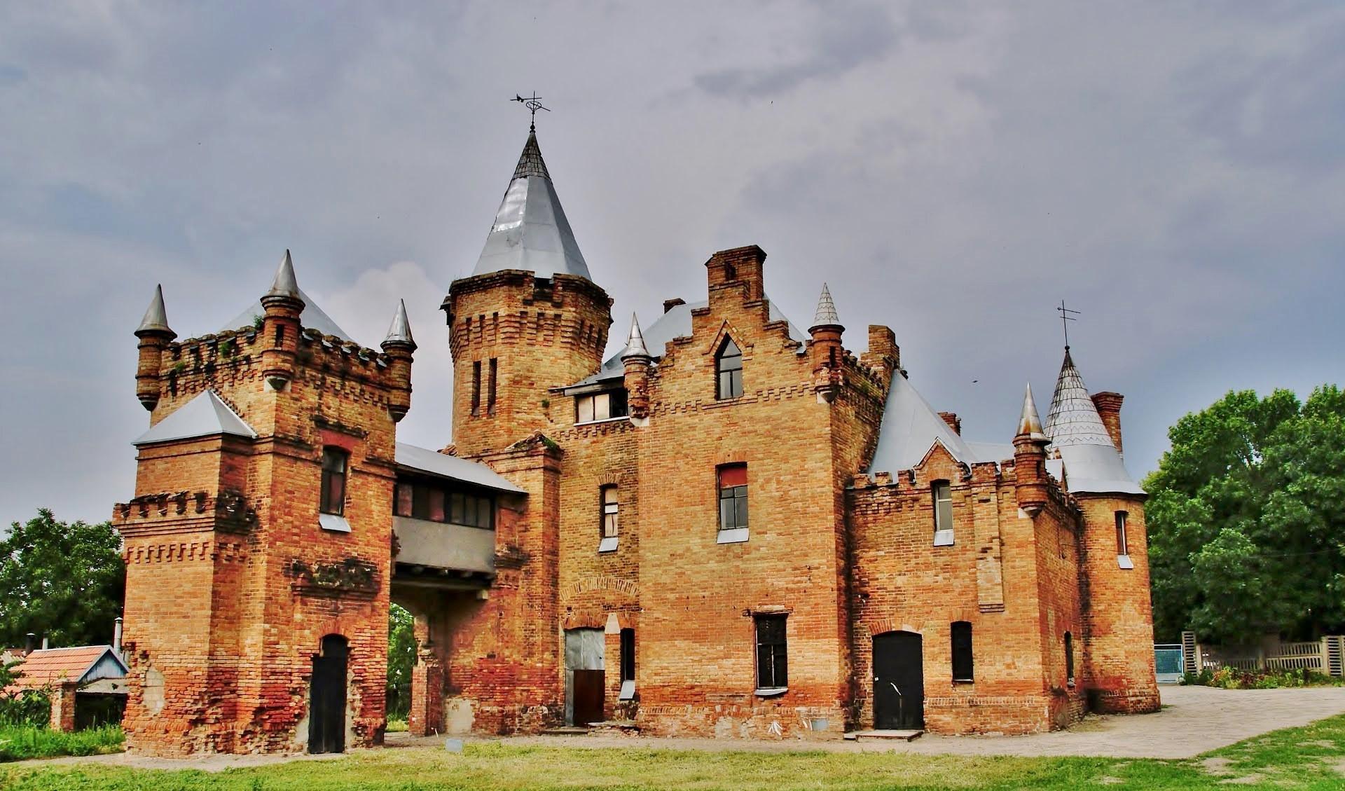 Замок попових_