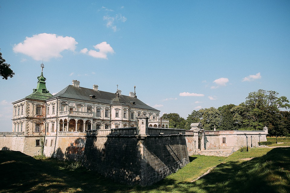 Истории самых посещаемых замков Украины