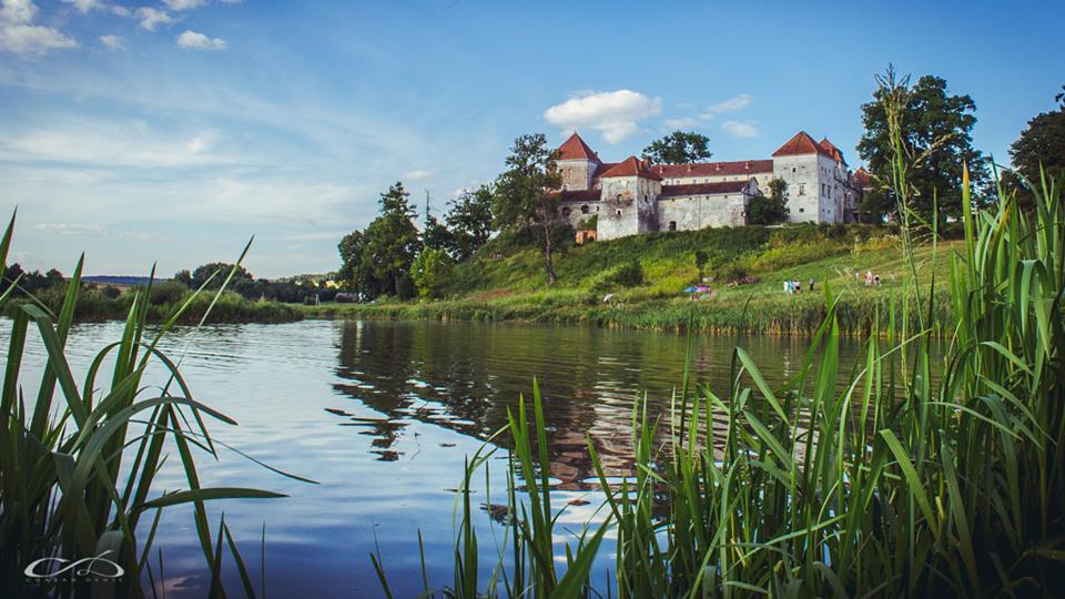 Свірзький замок: Історія та легенди