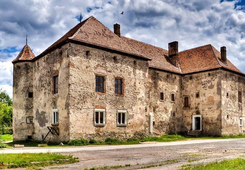 Чинадїєвський замок Сент-Міклош: історія, опис, факти