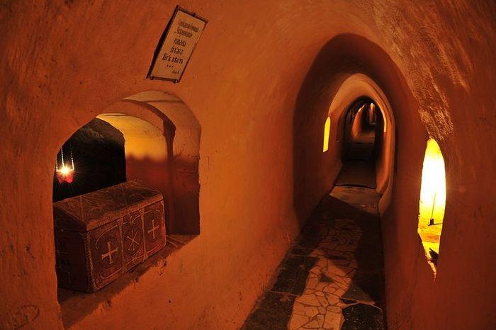 Пещера Киево-Печерской Лавры