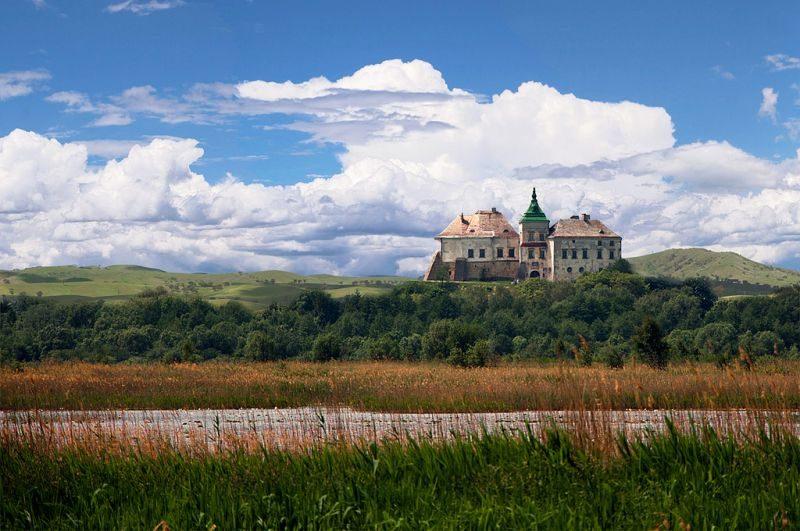 Олесский замок: 3 легенды о приведении