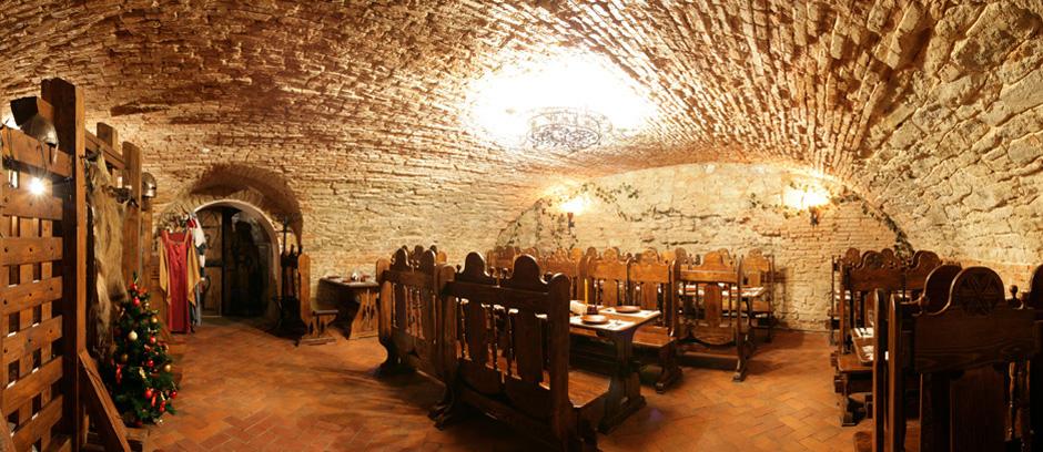 Олесский замок внутри