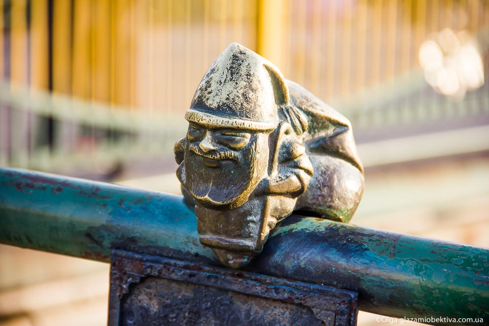 Міні-скульптура «Миколайчик» в Ужгороді