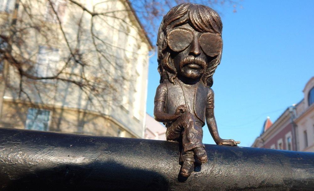 Мини-скульптура «Джон Лорд» в Ужгороде