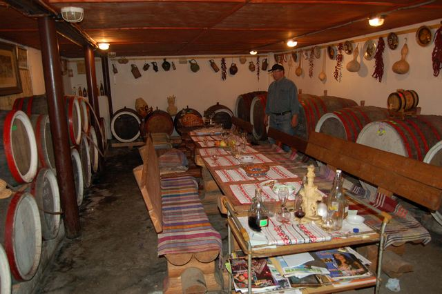 Винний підвал сім'ї Шош