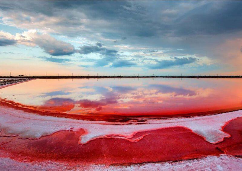 Лемурійське (рожеве) озеро – вигадка та реальність