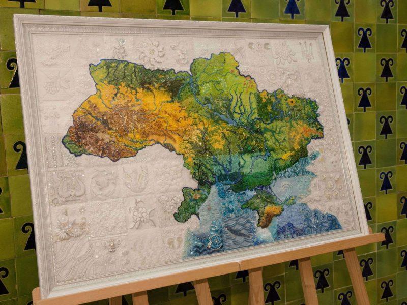 Вишита карта України або умілі руки унікальних майстринь